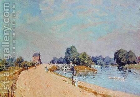 The Road to Hampton Court, 1895 by Alfred Sisley - Reproduction Oil Painting