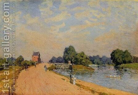 The Road from Hampton Court by Alfred Sisley - Reproduction Oil Painting