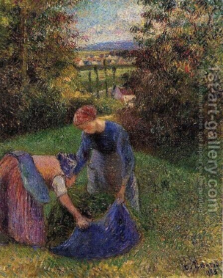 Women Gathering Grass by Camille Pissarro - Reproduction Oil Painting