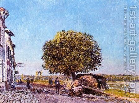 Chestnut Tree at Saint-Mammes by Alfred Sisley - Reproduction Oil Painting