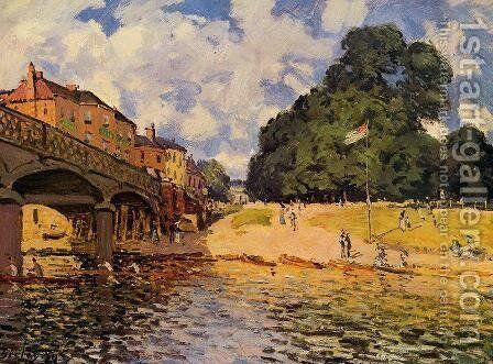 Bridge At Hampton Court by Alfred Sisley - Reproduction Oil Painting