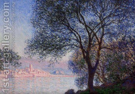 Antibes Seen From The Salis Gardens by Claude Oscar Monet - Reproduction Oil Painting