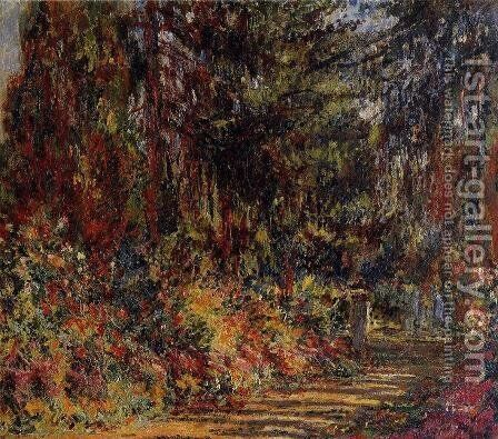 The Path At Giverny by Claude Oscar Monet - Reproduction Oil Painting