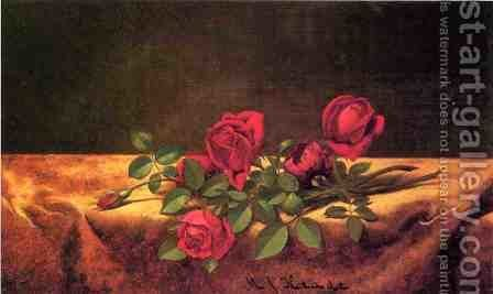 Roses Lying On Gold Velvet by Martin Johnson Heade - Reproduction Oil Painting