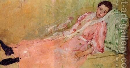 Lydia Reading On A Divan by Mary Cassatt - Reproduction Oil Painting