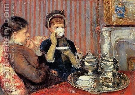 Tea by Mary Cassatt - Reproduction Oil Painting